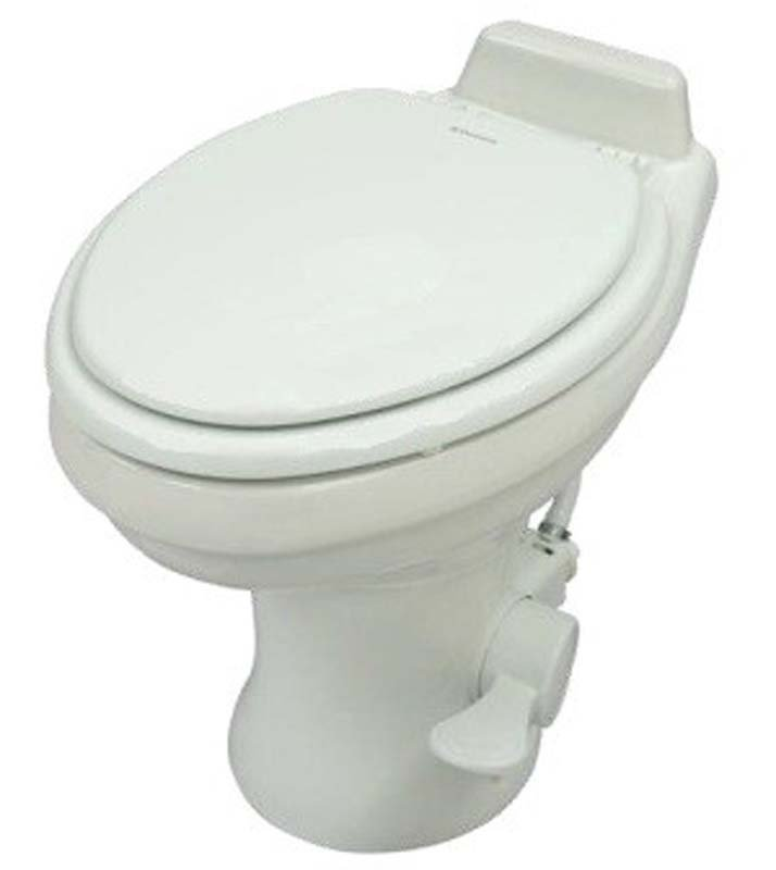 TOILET 320 W/SPRAY HI WHI